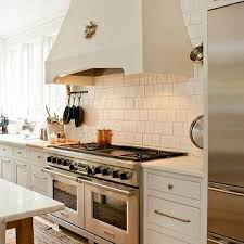 Staggered Tile Backsplash Design Ideas - Square tile backsplash