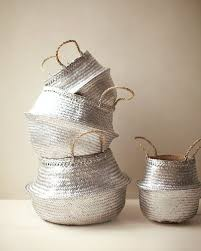 spray painted straw baskets spray painting straws and baskets