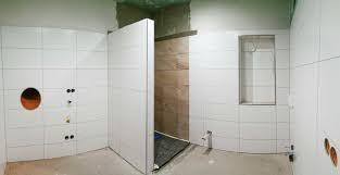 badezimmer jugendstil ideen tolles weisse hochglanzfliesen bad mosaik fliesen