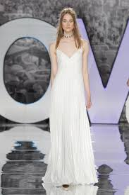 a frame wedding dress how to find the wedding dress for your type wedding