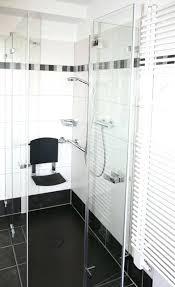 barrierefreies badezimmer behinderten badezimmer barrierefreies bad 03 behindertengerecht