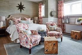hgtv s new show sarah off the grid with sarah richardson the show is remarkable at breaking down every element that goes into the home as well as providing designer tips
