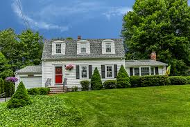 well maintained gambrel style home for sale