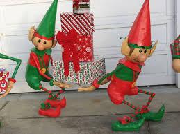 Elmo Christmas Outdoor Decorations by Santa U0027s Elves Yard Display Elves Yard Art And Yards