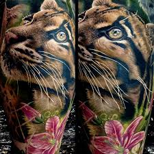 awesome tiger kitten with flower design for leg calf