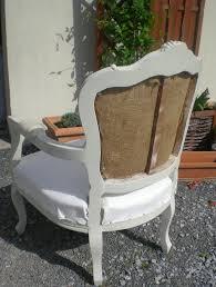 comment refaire un canapé en tissu les secrets de famille les coulisses d une rénovation de fauteuil