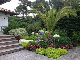 fontaine de jardin jardiland aménagement paysager aux abords d u0027une terrasse bassin d u0027arcachon