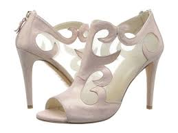 wedding shoes malaysia buy wedding shoes wearing shoes with this beautiful dress is just