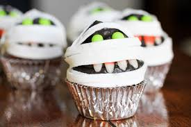 hotel transylvania halloween decorations mummy cupcakes inspired by murray the mummy from hotel