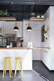 Restaurant Open Kitchen Design by Best 25 Small Cafe Design Ideas On Pinterest Cafe Design Small