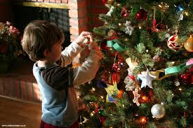Best Way To Put Christmas Lights On Tree by Put Lights On Christmas Tree Christmas Lights Decoration