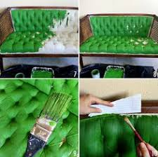 peindre canapé en tissu spray paint directly onto leather vous etes le cuir et bombes
