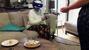 jeu de cuisine virtuel quand mamie devient folle après avoir joué à un jeu en réalité