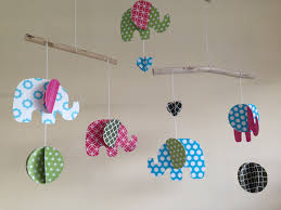 mobile chambre enfant source d inspiration décoration pour chambre bébé ravizh com