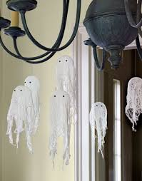 How To Make A Balloon Chandelier Diy Ghost Craft How To Make A Ghost Craft For Halloween