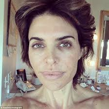 how does lisa rinna fix her hair lisa rinna shares snap of her bare face for unicef s wake up call