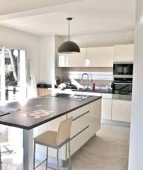 implantation cuisine ouverte deco maison cuisine ouverte incroyable decoration salon avec