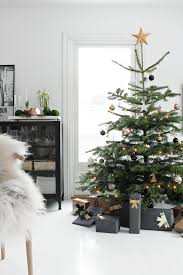 White Nordic Christmas Decorations by 25 Non Traditional Christmas Decorating Ideas