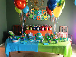 please help make a birthday party with the tema bubble guppies