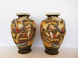 30s Vase A Pair Of Satsuma Vases With Dragon Relief And Moriage Raised