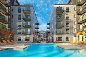 elan uptown luxury apartments in minneapolis greystar