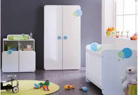 chambre bebe blanche lit bébé blanc bleu secret de chambre