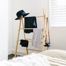 support vetement chambre portant vêtement original valet de chambre penderie et porte manteau