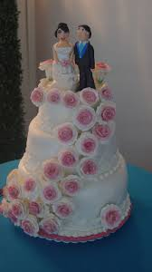 home may u0027de cakes wedding cake with cascading roses and bride