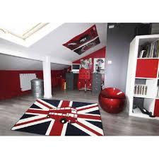 tapis pour chambre ado un tapis londonien pour une chambre d ado originale et moderne
