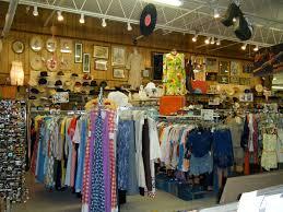 antique mall lindy shopper