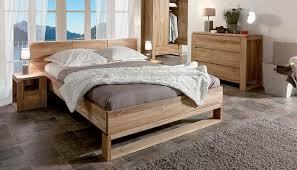 chambre à coucher bois massif lit en bois massif photo 7 12 cette chambre à coucher