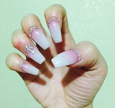 vogue nails beautify themselves with sweet nails