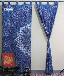 i u0027m buying a tapestry for room decorating which types of curtains