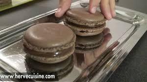 recette facile des macarons au chocolat par hervecuisine