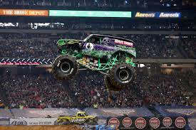 grave digger monster trucks grave digger 27 monster trucks wiki fandom powered by wikia