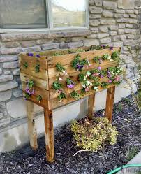 Planters That Hang On The Wall Pallet Planter Box For Cascading Flowers Her Tool Belt