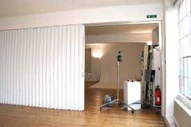 Retractable Room Divider Tips Ideas Accordion Room Dividers Portable Room Divider