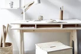 bureau sur bureau en palette bureau en palette bois 34 id es diy tr s cool