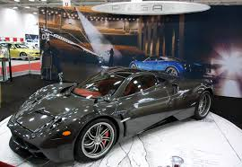 pagani huayra carbon fiber experiencing the pagani huayra at the dallas auto show 6speedonline