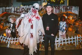 see which celebrities have turned out for the scares at universal