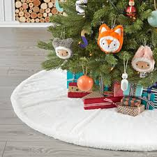christmas tree skirts u0026 tree toppers the land of nod