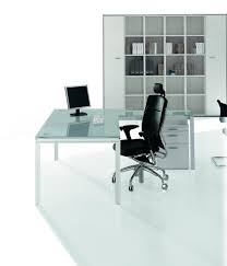 bureaux en verre bureaux direction verre table x4 avec retour et pied de type loft