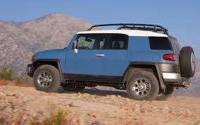 toyota sport utility vehicles 2014 toyota fj cruiser 4x4 suv f j m wallpaper 2560x1600