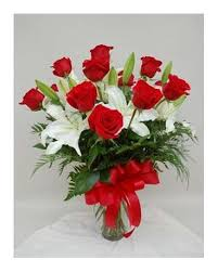 chesters flowers 1 dozen roses arranged w lilies in utica ny chester s