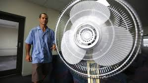 best way to cool a room with fans can t sleep because of the heat try this clever fan trick stuff co nz