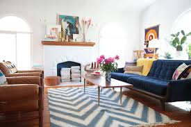 how big should a coffee table be tips to choosing the right rug size emily henderson