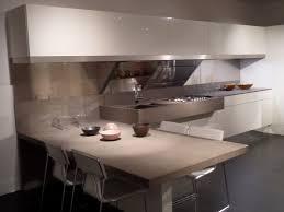 cuisine avec table pose d une cuisine avec une table attenante sur marseille