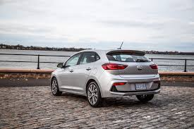 hatchback hyundai accent first drive 2018 hyundai accent canadian auto review