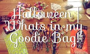 halloween what u0027s in my goodie bags youtube