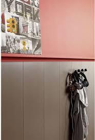 lambris pour cuisine lambris pvc pose plafond murs imitation bois couleur taupe
